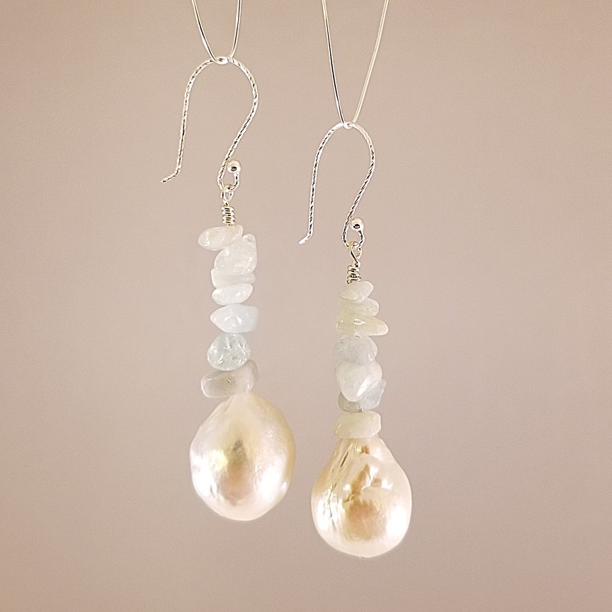 Baroque-Pearl-with-Aquamarine-Chips-Silver.jpg