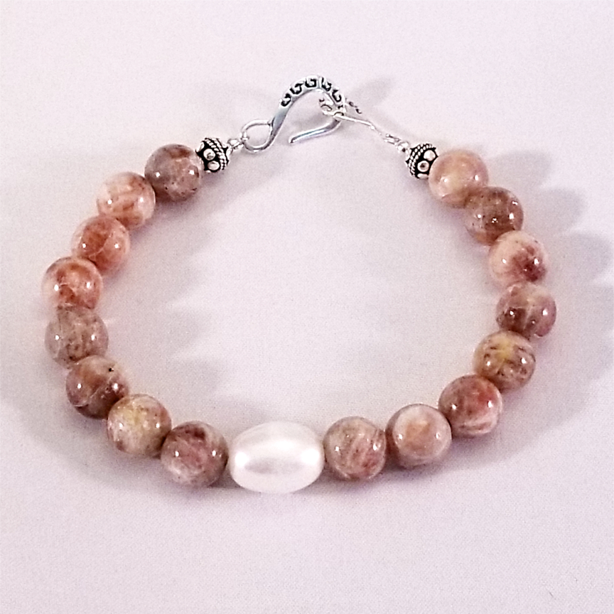 Bracelet-Pearl-and-Sunstone-1.jpg