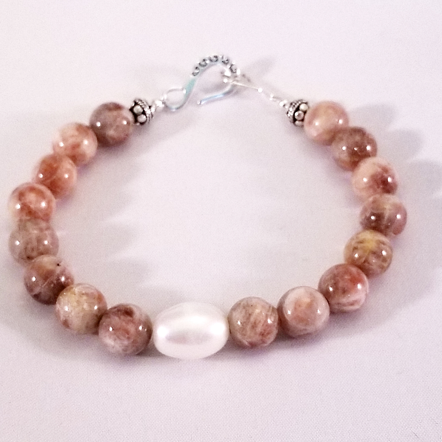 Bracelet-Pearl-and-Sunstone-2.jpg