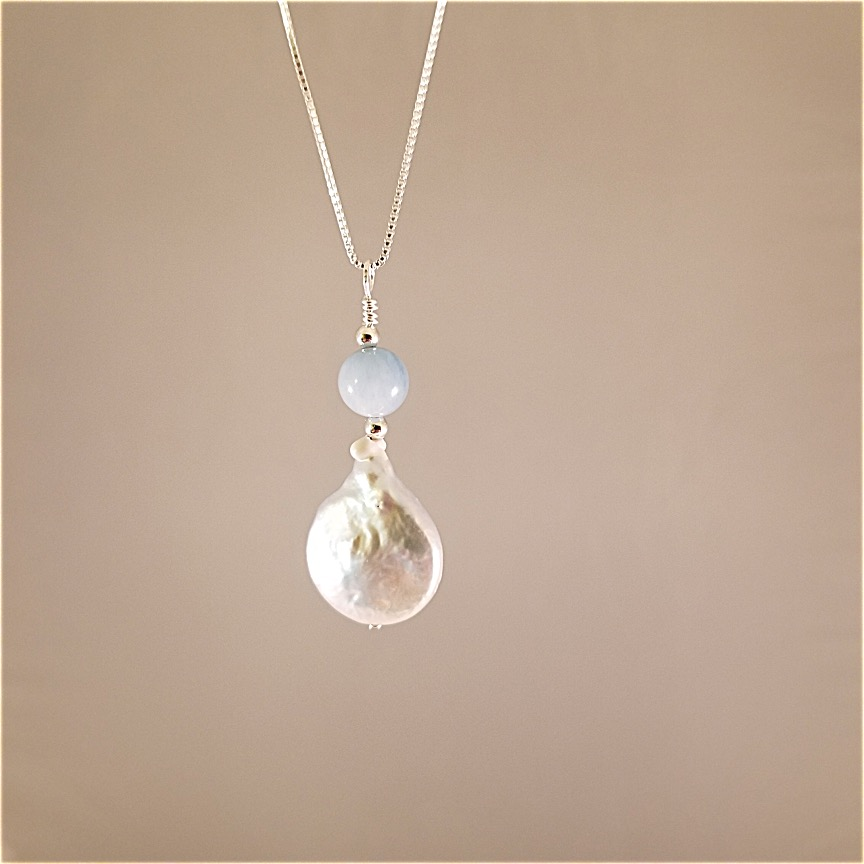 Coin-pearl-necklace-with-aquamarine-4.jpg