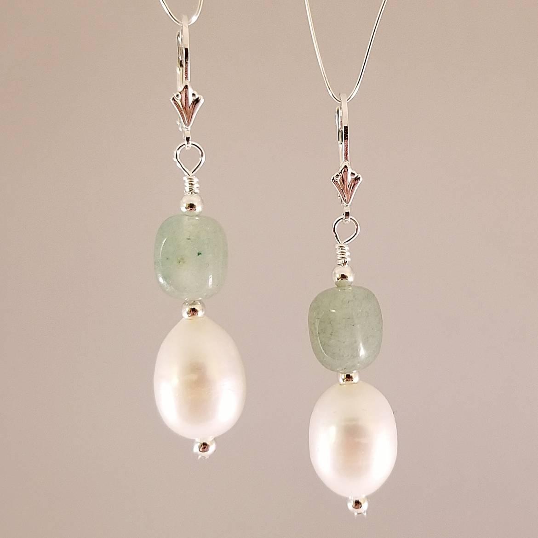 Earrings-Large-Pearl-with-Green-Aventurine-Nuggets.jpg