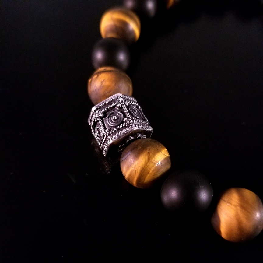 Mens-10mm-Hepta-Barrel-with-Matte-Tiger-Eye-and-Onyx-4.jpg