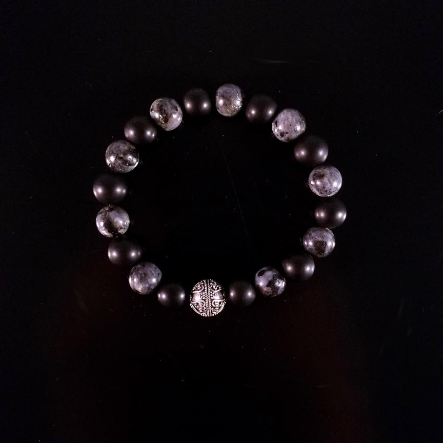 Mens-10mm-Labradorite-and-Onyx-wth-Silver-1.jpg