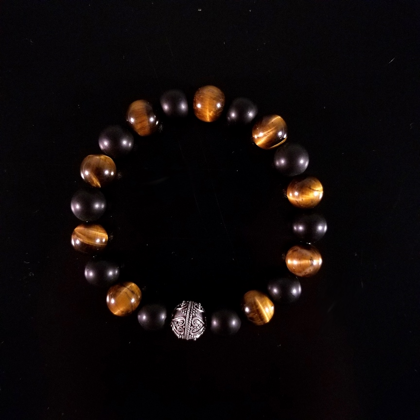 Mens-10mm-Tiger-Eye-and-Onyx-wth-Silver-1.jpg
