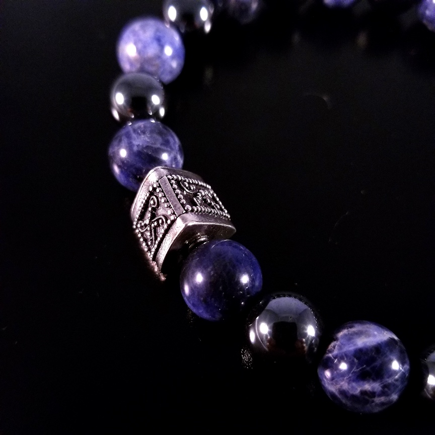 Mens-Prism-with-Sodalite-and-Hematite-3.jpg